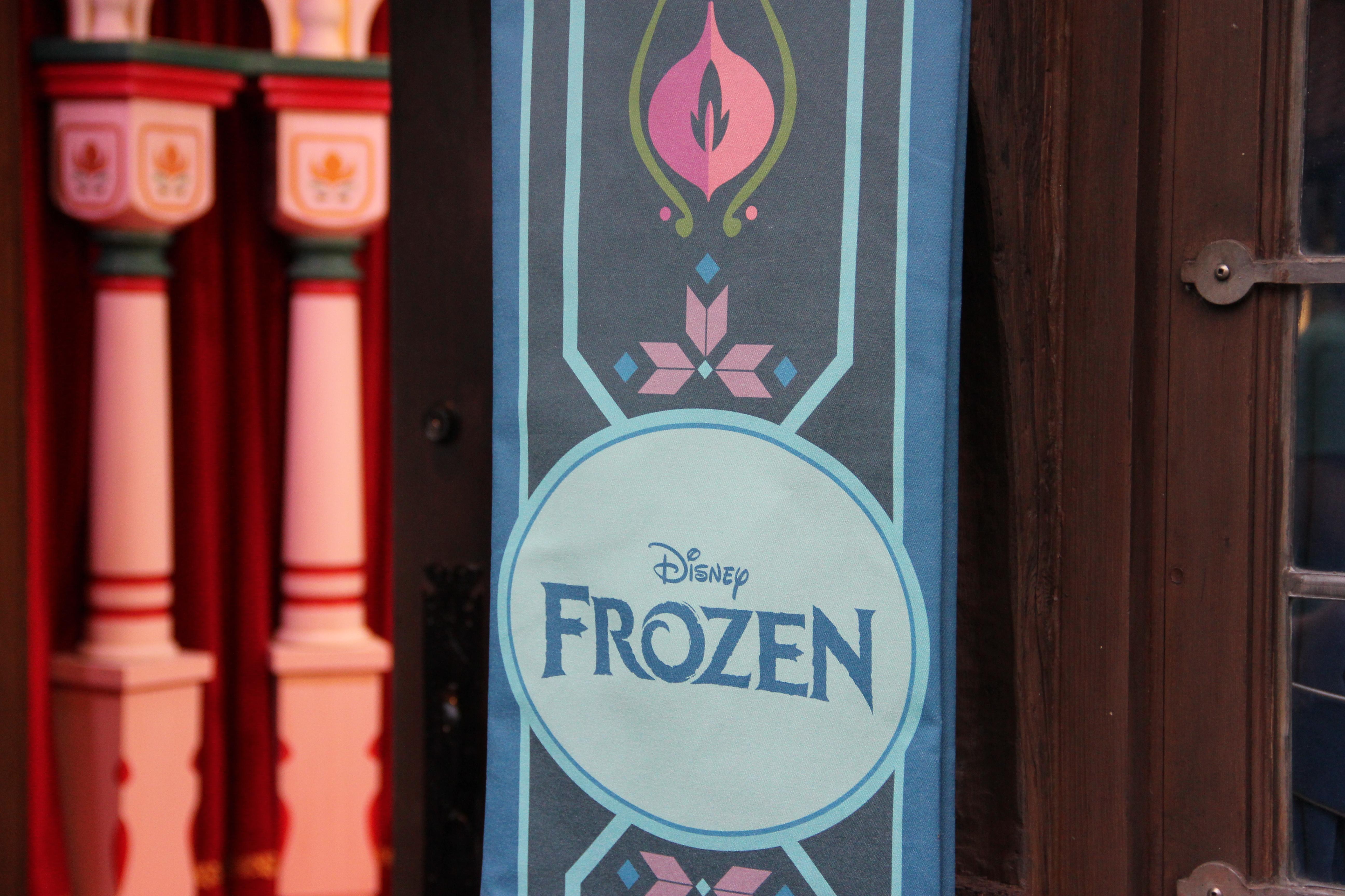 Disney Frozen Meet Greet The Roarbotsthe Roarbots